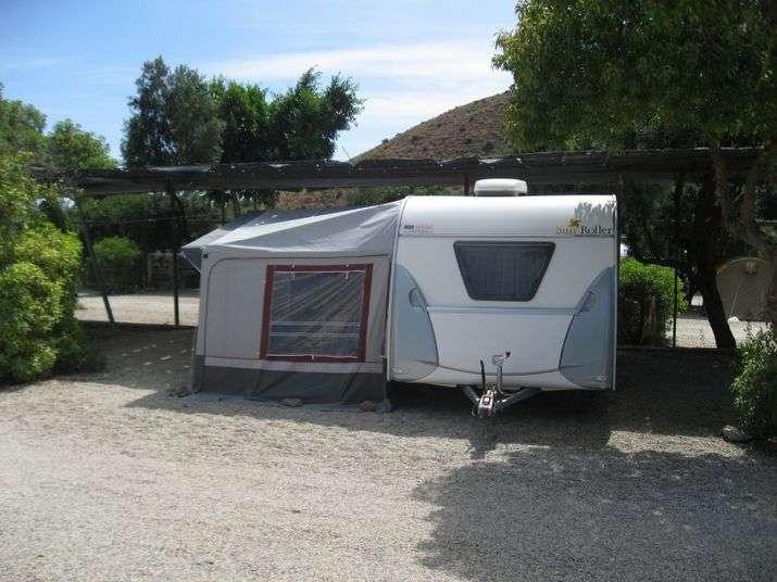 Camping Los Escullos