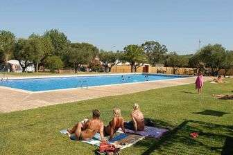 Camping Relax Ge, in Mont-ras (Girona)
