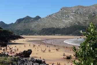 Camping Playa Arenillas, in Islares (Cantabria)