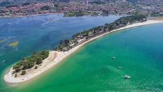 Camping Bayona Playa, in Baiona (Pontevedra)