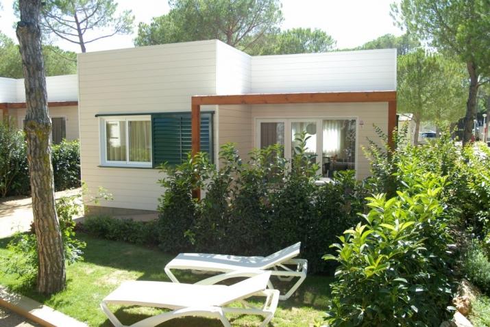 Bungalow tipo: Suites Mediterrani en el Camping Cypsela Resort