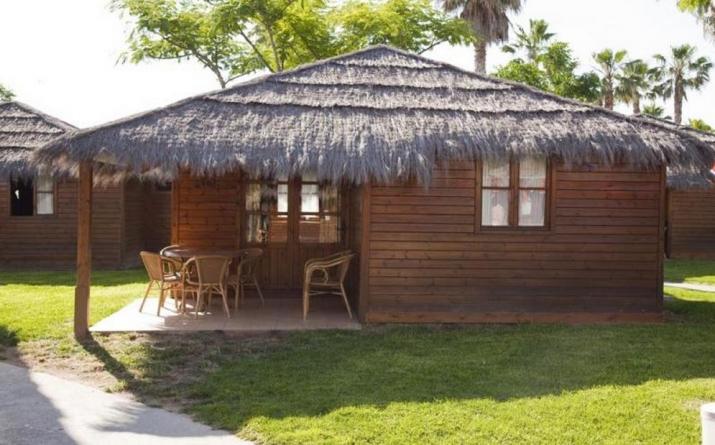 Bungalow tipo: Tahiti en el Camping Camping Resort Sangulí Salou