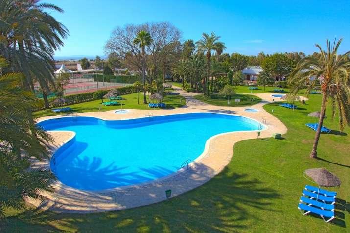 Camping devesa gardens camping y bungalows en valencia ciudad - Camping en oliva con piscina ...