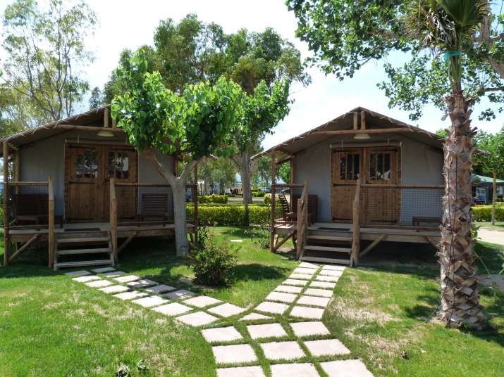 Bungalow tipo: Cabaña en el Camping Las Palmeras Costa Brava